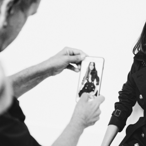 burberry snap chat live photo shoot